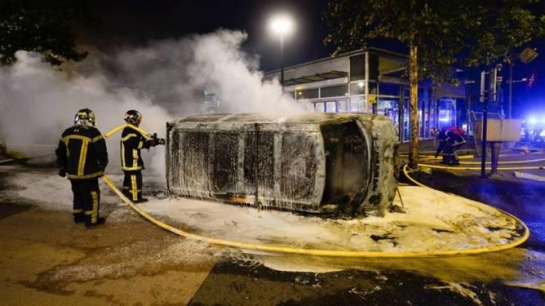 Γαλλία: Τέταρτη νύχτα έντασης για το θάνατο 22χρονου από σφαίρα αστυνομικού