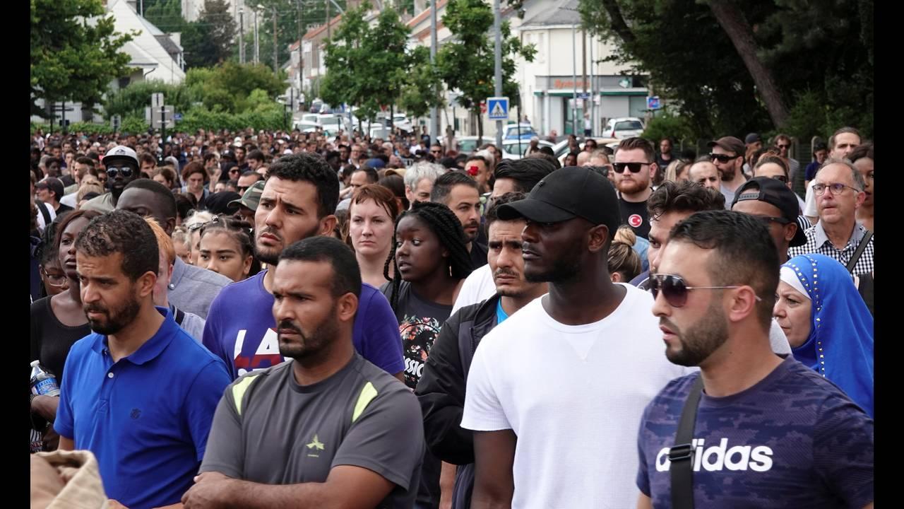 https://cdn.cnngreece.gr/media/news/2018/07/07/137719/photos/snapshot/2018-07-05T182932Z_1273422330_RC1752F502E0_RTRMADP_3_FRANCE-PROTESTS-NANTES.JPG