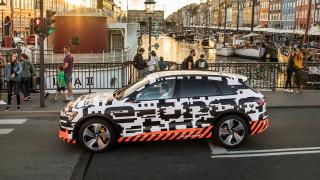 Αυτοκίνητο: Πόσες συνολικά οθόνες λέτε πως έχει το ταμπλό του ηλεκτρικού Audi e-tron;