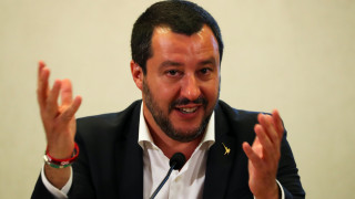 Σαλβίνι: Θα ζητήσω να σταματήσουν οι αφίξεις πλοίων διεθνών αποστολών με μετανάστες στην Ιταλία