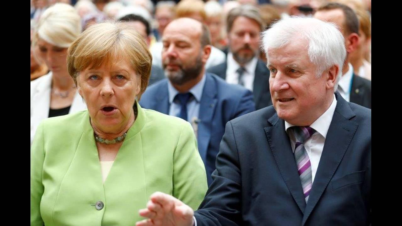 https://cdn.cnngreece.gr/media/news/2018/07/09/137917/photos/snapshot/2018-06-20T110758Z_1552667362_RC1D0667DF00_RTRMADP_3_GERMANY-POLITICS.jpg