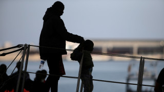 «Μπλόκο» Σαλβίνι στα ξένα πλοία που διασώζουν μετανάστες και πρόσφυγες