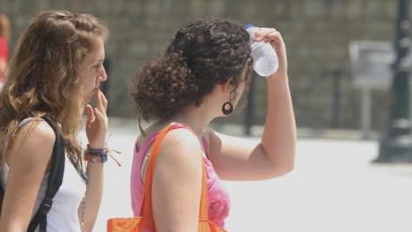 «Καμπανάκι» κινδύνου για ένα στα δέκα εμφιαλωμένα νερά