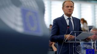 Τουσκ: Λυπάμαι μόνο που δεν έφυγε και η ιδέα του Brexit με τους Ντέιβις και Τζόνσον