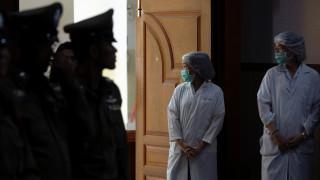 Ταϊλάνδη:Πρώτη συνάντηση των διασωθέντων με τους γονείς κι αγωνία για τον πιο μικρό εγκλωβισμένο