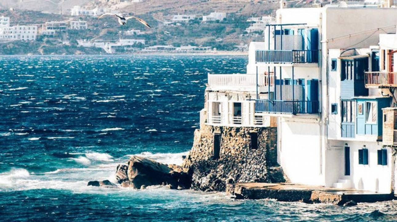 Πέντε παραλίες για να δεις τη Μύκονο από την πιο local της πλευρά