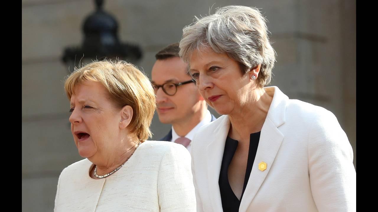 https://cdn.cnngreece.gr/media/news/2018/07/10/138170/photos/snapshot/2018-07-10T171520Z_1842699637_RC19EEFDC300_RTRMADP_3_BRITAIN-EU-BALKANS.JPG