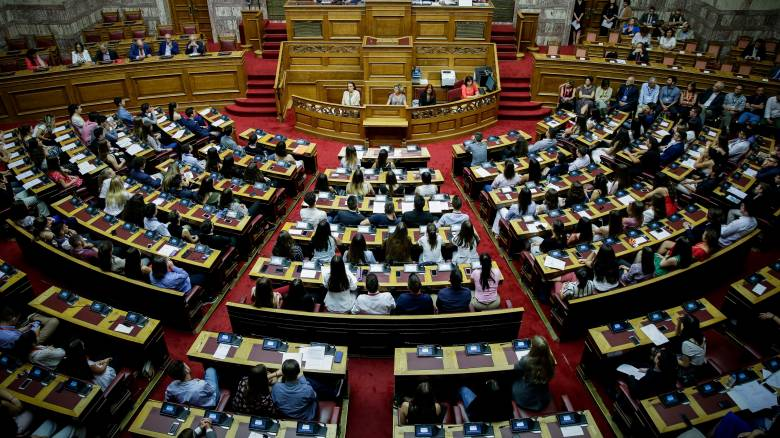 Τροπολογία βουλευτών του ΣΥΡΙΖΑ για αυτοδιοικητικές εκλογές μαζί με ευρωεκλογές