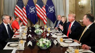 Σύνοδος ΝΑΤΟ: «Όμηρος της Ρωσίας η Γερμανία», λέει ο Τραμπ - Τι απαντά το Βερολίνο