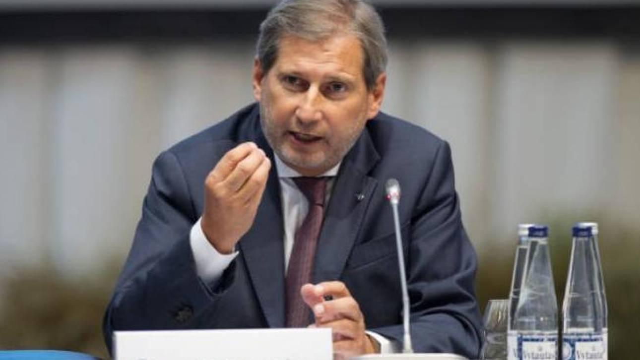Περίεργη δήλωση Χαν για «αλλαγή συνόρων Ελλάδας - Αλβανίας»