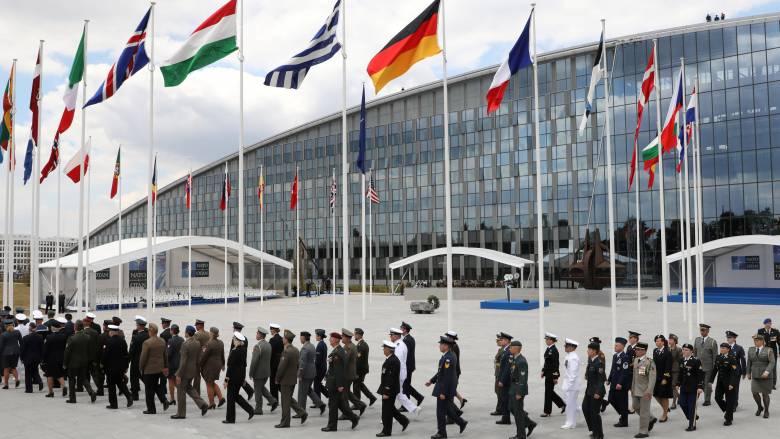 Σύνοδος ΝΑΤΟ: Η δέσμευση των ηγετών για τις αμυντικές δαπάνες & η «πρόταση» Τραμπ