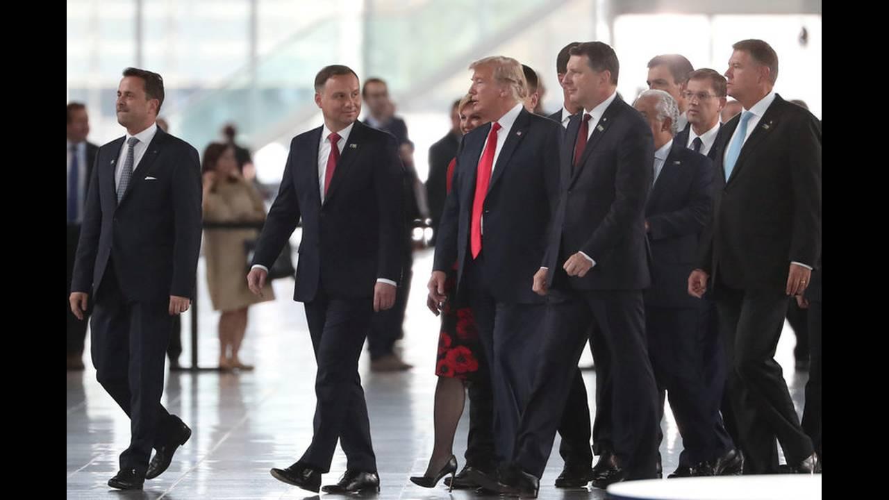 https://cdn.cnngreece.gr/media/news/2018/07/11/138301/photos/snapshot/2018-07-11T162124Z_176161667_RC11E42DF160_RTRMADP_3_NATO-SUMMIT.jpg
