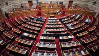 «Θύελλα» και στη Βουλή για τις δηλώσεις Χαν
