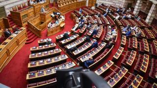 Υπερψηφίζει την κατάτμηση της Β' Αθηνών η ΝΔ - Επιμένει για τους Έλληνες του εξωτερικού