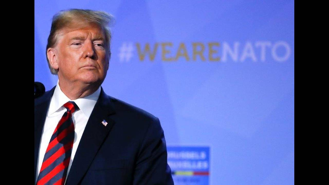 https://cdn.cnngreece.gr/media/news/2018/07/12/138391/photos/snapshot/2018-07-12T103301Z_534371237_RC1DA4FE68C0_RTRMADP_3_NATO-SUMMIT.jpg