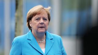 Μέρκελ: Έγινε μία πολύ σοβαρή συζήτηση για την κατανομή των βαρών στο ΝΑΤΟ
