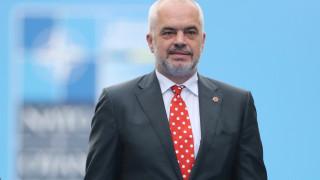 Μέτα και Ράμα χαιρετίζουν την πρόσκληση του ΝΑΤΟ στην πΓΔΜ