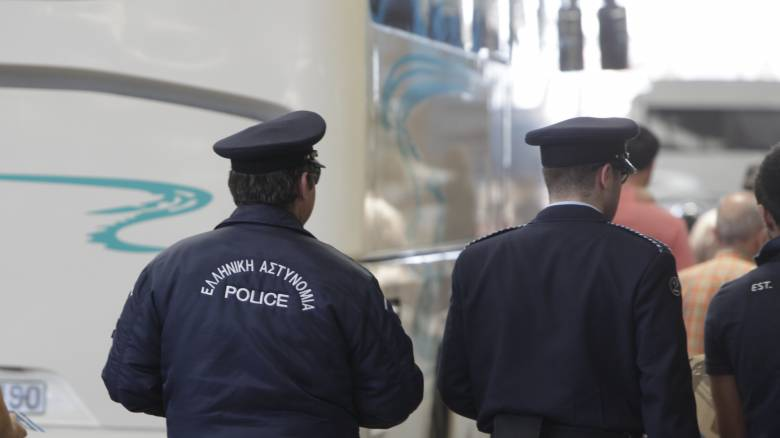 Ανατροπή λεωφορείου του ΚΤΕΛ έξω από τη Δράμα
