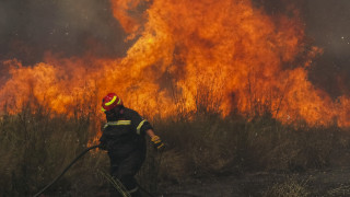 Ολονύχτια μάχη με τις φλόγες στην Κρήτη