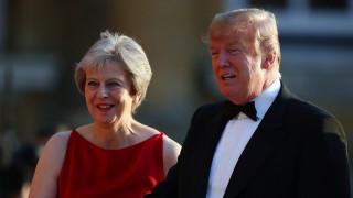Βρετανία: Διαδηλώσεις, επικρίσεις Τραμπ για το σχέδιο περί Brexit και μία… απολογητική Μέι