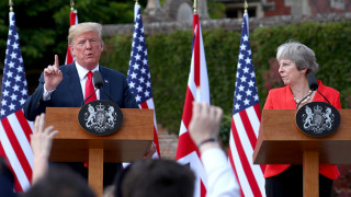 Στη Βρετανία ο Τραμπ: Ανυπομονώ για συνάψουμε συμφωνία εμπορίου μετά το Brexit