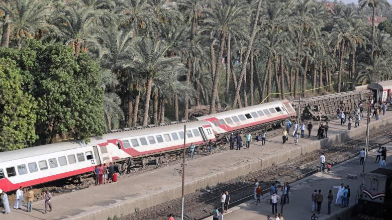 Εκτροχιασμός τρένου στην Αίγυπτο – Δεκάδες τραυματίες