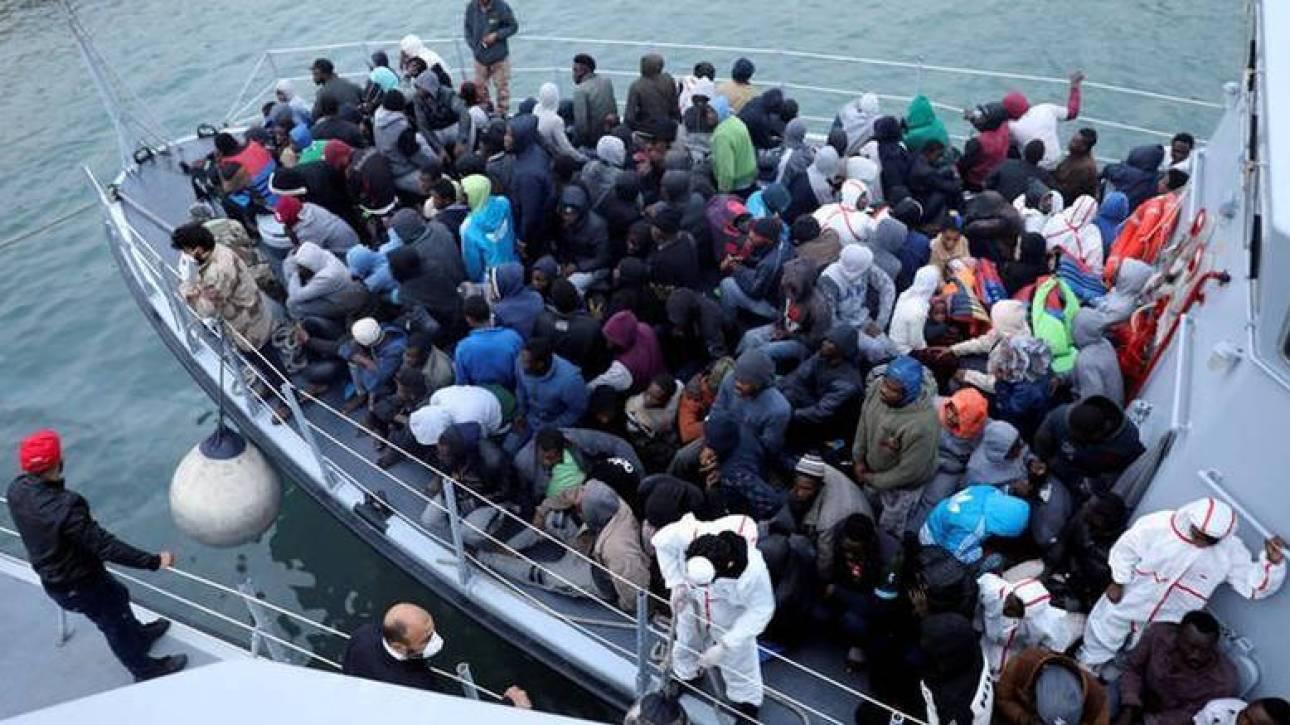 Η Μάλτα αρνείται τη διάσωση πλεούμενου με 450 μετανάστες