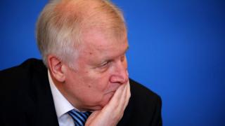 «Ακούστε κ. Ζεεχόφερ…» Το γράμμα μιας Σύριας προσφυγοπούλας στον Γερμανό υπουργό Εσωτερικών