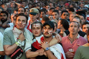 Οι οπαδοί της Αγγλίας βλέπουν την Κροατία κερδίζει τον ημιτελικό του Παγκοσμίου Κυπέλλου FIFA 2018 κόντρα στην εθνική τους ομάδα, σε δημόσια προβολή στο Λονδίνο, Βρετανία, 11 Ιουλίου 2018.
