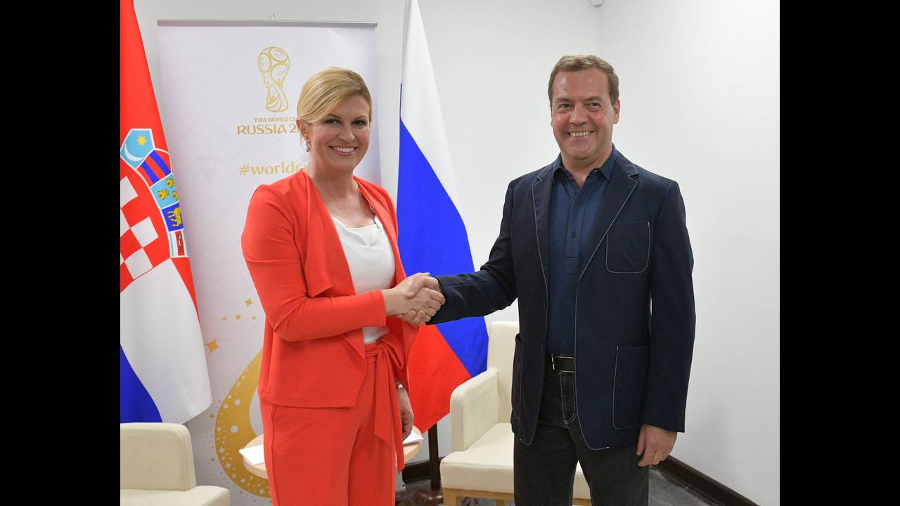 https://cdn.cnngreece.gr/media/news/2018/07/15/138764/photos/snapshot/2018-07-07T200652Z_1117453306_RC1FF7123740_RTRMADP_3_RUSSIA-CROATIA.JPG