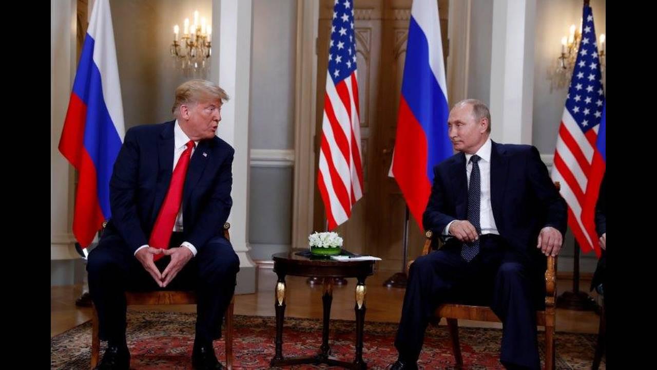 https://cdn.cnngreece.gr/media/news/2018/07/16/138900/photos/snapshot/2018-07-16T111238Z_206694190_RC1E49B30660_RTRMADP_3_USA-RUSSIA-SUMMIT.jpg