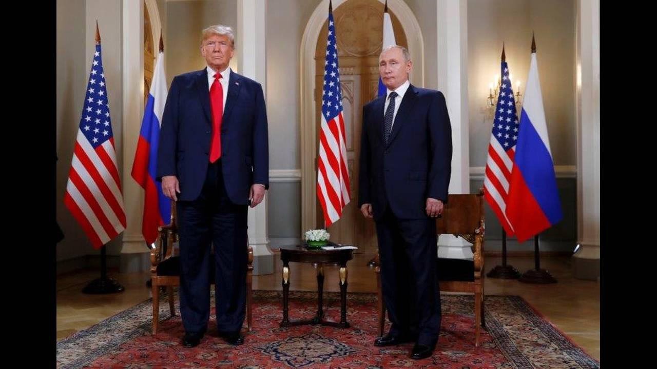 https://cdn.cnngreece.gr/media/news/2018/07/16/138900/photos/snapshot/2018-07-16T112314Z_144999376_RC154099EF10_RTRMADP_3_USA-RUSSIA-SUMMIT.jpg
