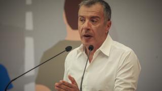 Θεοδωράκης: Δεν βλέπω πρόωρες εκλογές το φθινόπωρο