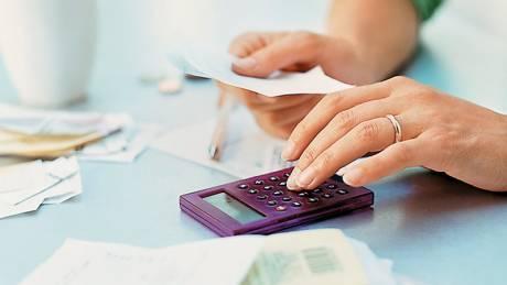 Πώς οι σύζυγοι μπορούν να χωρίσουν την οφειλή ή την επιστροφή φόρου