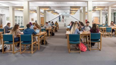 Το Deree – The American College of Greece παρουσιάζει τη νέα καμπάνια επικοινωνίας του