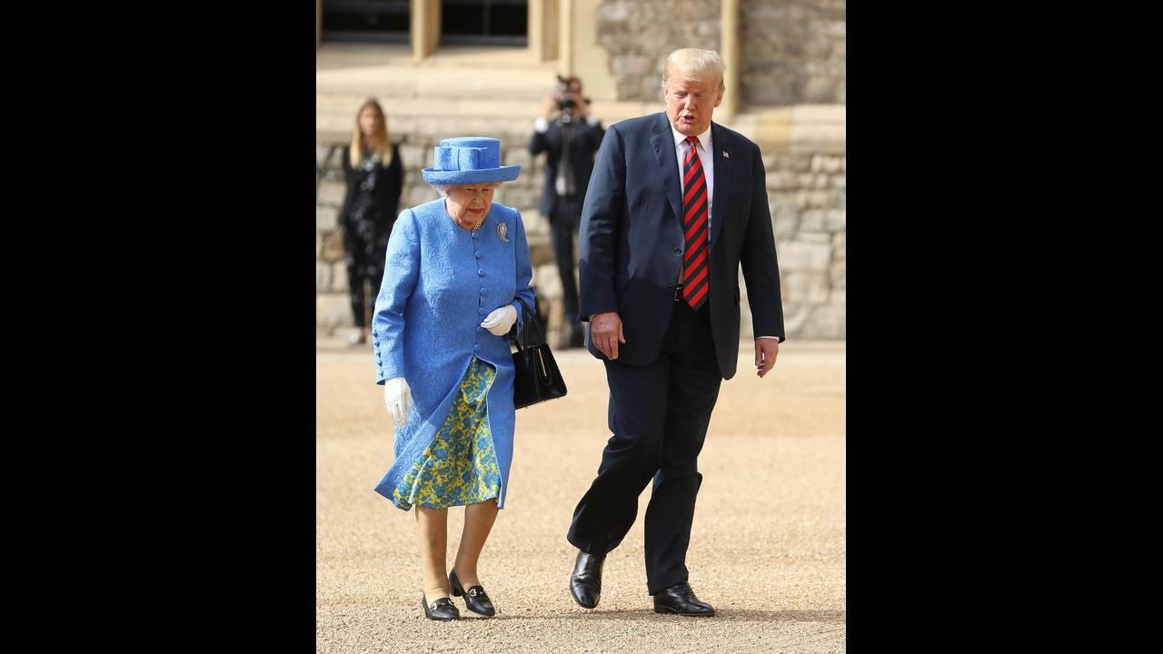 https://cdn.cnngreece.gr/media/news/2018/07/18/139193/photos/snapshot/2018-07-13T165150Z_1428424871_RC17B6EE1980_RTRMADP_3_USA-TRUMP-BRITAIN.JPG