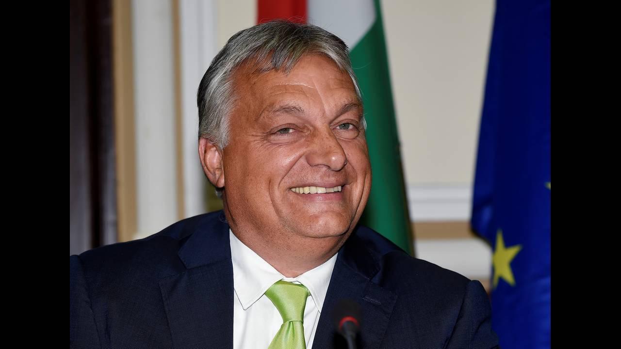 https://cdn.cnngreece.gr/media/news/2018/07/19/139313/photos/snapshot/2018-08-28T163512Z_43698360_RC1E6906BD20_RTRMADP_3_ITALY-HUNGARY.JPG
