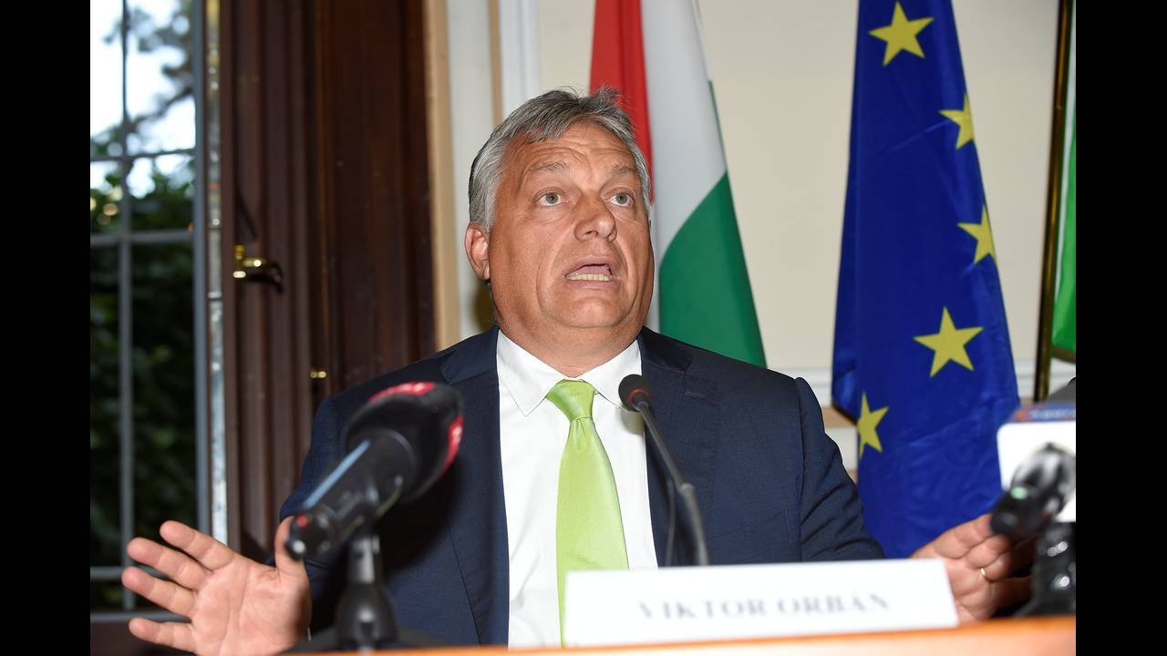 https://cdn.cnngreece.gr/media/news/2018/07/19/139313/photos/snapshot/2018-08-28T164240Z_1398208012_RC161E507FF0_RTRMADP_3_ITALY-HUNGARY.JPG