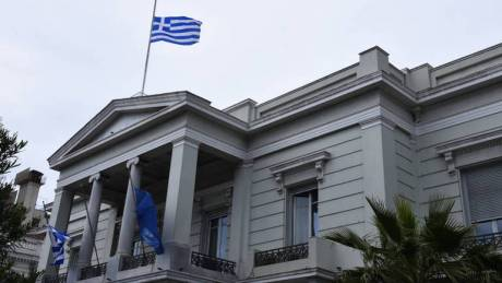 Καλοδεχούμενος ο Λαβρόφ στην Αθήνα, λένε διπλωματικές πηγές