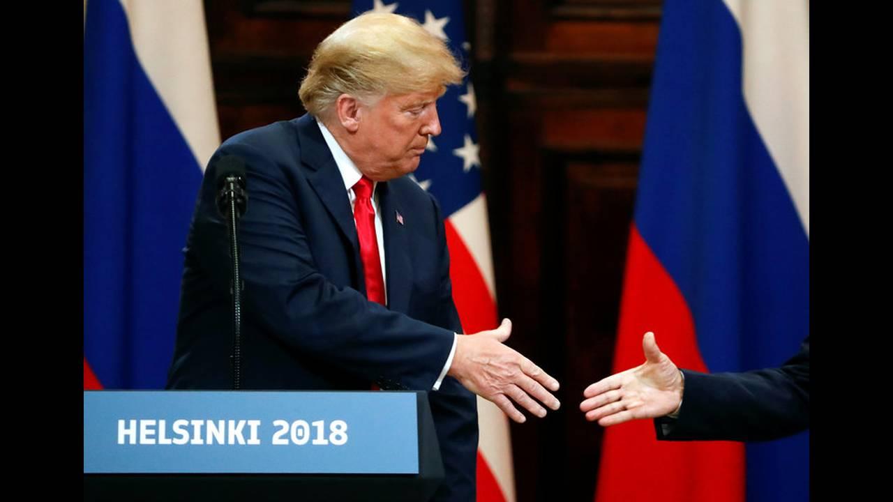 https://cdn.cnngreece.gr/media/news/2018/07/19/139356/photos/snapshot/2018-07-16T153816Z_1050913323_RC1A991F6510_RTRMADP_3_USA-RUSSIA-SUMMIT.jpg