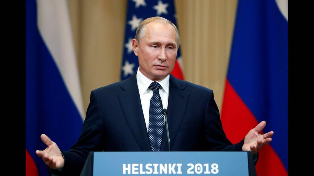https://cdn.cnngreece.gr/media/news/2018/07/19/139356/photos/snapshot/2018-07-16T153840Z_2077312120_RC14D2277FF0_RTRMADP_3_USA-RUSSIA-SUMMIT.jpg