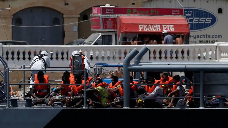 Στη Μάλτα 19 μετανάστες που ναυάγησαν σε διεθνή ύδατα