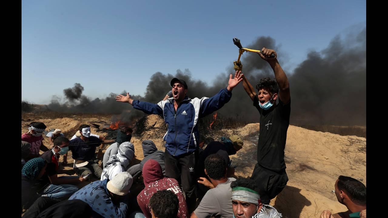 https://cdn.cnngreece.gr/media/news/2018/07/23/139742/photos/snapshot/2018-06-08T143423Z_790575468_RC19E539C2E0_RTRMADP_3_ISRAEL-PALESTINIANS-PROTESTS.jpg