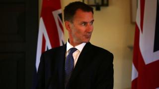 Προειδοποίηση Χαντ για τον κίνδυνο ενός Brexit χωρίς συμφωνία