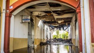 Θλιβερές εικόνες: Η επόμενη μέρα της πυρκαγιάς στο Πολεμικό Μουσείο Χανίων
