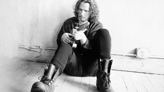 Κρις Κορνέλ: σε μουσείο πολιτισμού το άγαλμα του αυτόχειρα της grunge