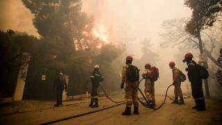 Φωτιά Κινέτα: Εγκλωβισμένοι στην περιοχή της Γαλήνης - Απομακρύνονται πολίτες