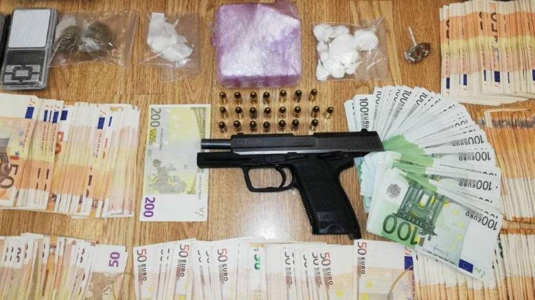 Εξάρθρωση κυκλώματος που διακινούσε κοκαΐνη και συνθετικά ναρκωτικά σε Αθήνα και Μύκονο