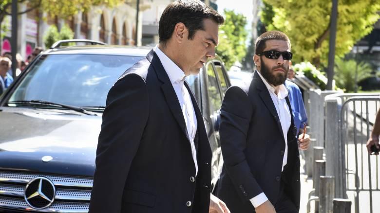Επιστρέφει εσπευσμένα στην Ελλάδα ο Αλέξης Τσίπρας