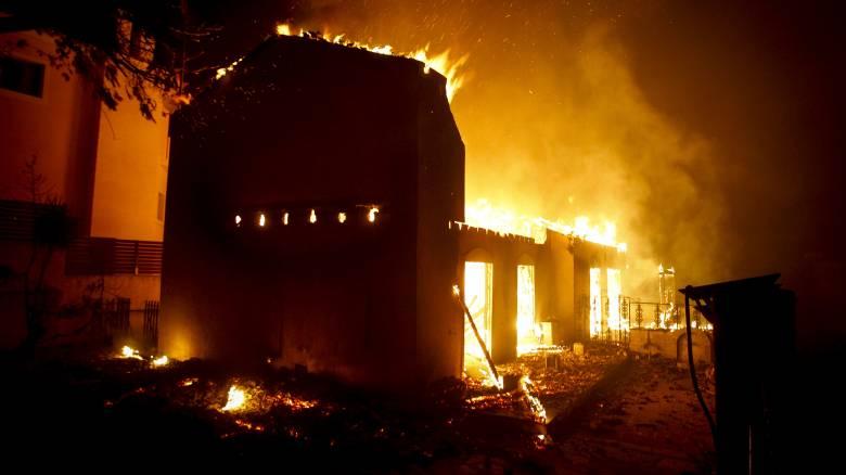 Διεθνή βοήθεια για την κατάσβεση των πυρκαγιών ζήτησε η Ελλάδα